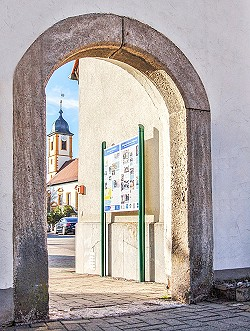 Start des Kulturweges in Giebelstadt im Rathaushof